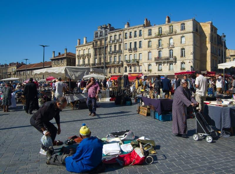 ΜΠΟΡΝΤΩ, ΓΑΛΛΙΑ - 6 ΣΕΠΤΕΜΒΡΊΟΥ 2015: Παζαριών στο κέντρο του Μπορντώ, Aquitaine, Γαλλία, το Σεπτέμβριο του 2015 στοκ εικόνες
