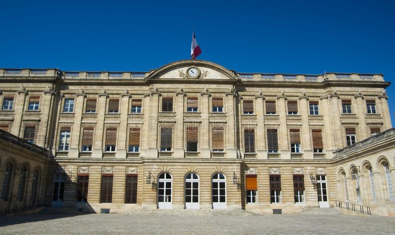 ΜΠΟΡΝΤΩ, ΓΑΛΛΙΑ - 6 ΣΕΠΤΕΜΒΡΊΟΥ 2015: Palaise Rohan στο κέντρο του Μπορντώ, Aquitaine, Γαλλία, το Σεπτέμβριο του 2015 στοκ φωτογραφία με δικαίωμα ελεύθερης χρήσης