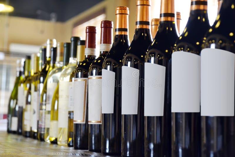 Μπουκάλια κρασιού στοκ φωτογραφίες με δικαίωμα ελεύθερης χρήσης