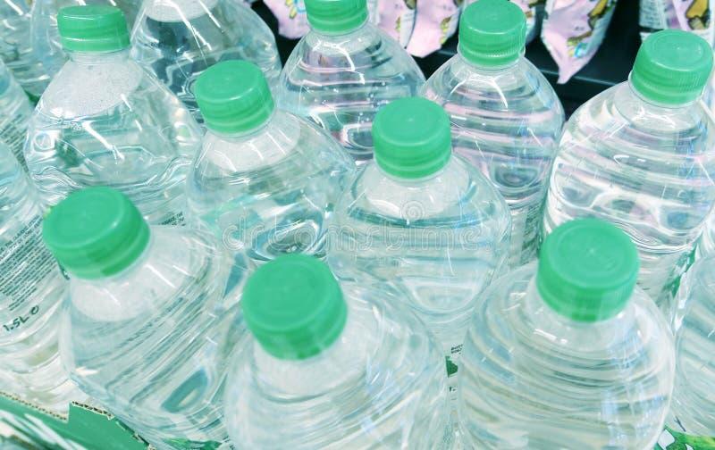 Μπουκάλια με το νερό στοκ φωτογραφίες με δικαίωμα ελεύθερης χρήσης