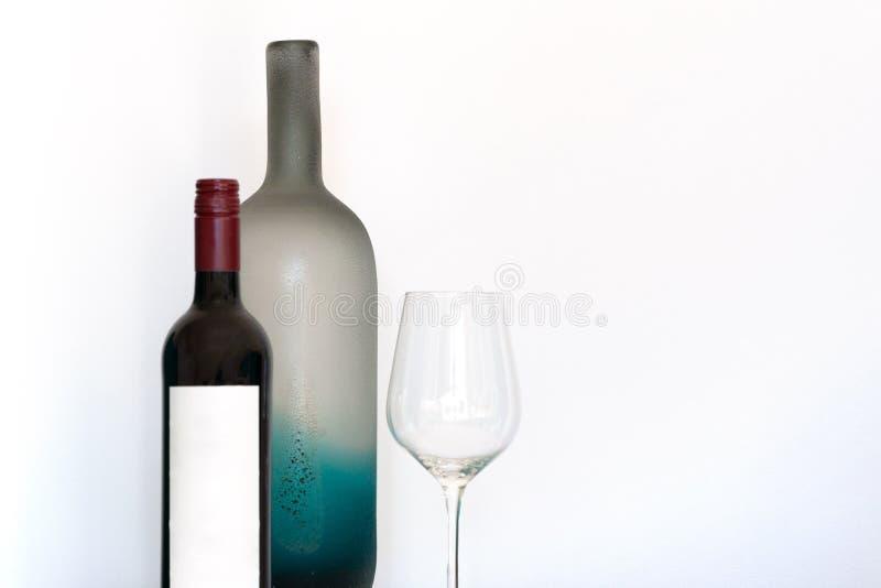 Μπουκάλι κρασιού με την κενή ετικέτα στοκ φωτογραφία με δικαίωμα ελεύθερης χρήσης