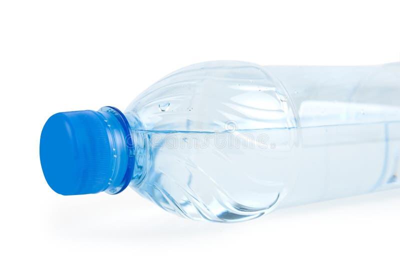 Μπουκάλι με το πόσιμο νερό στοκ εικόνα
