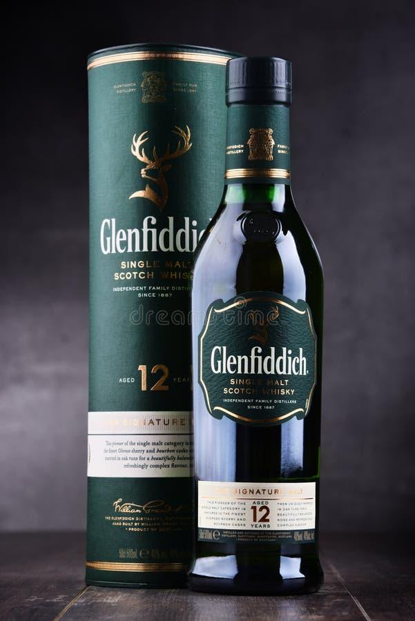 Μπουκάλι του σκωτσέζικου ουίσκυ ενιαίος-βύνης Glenfiddich στοκ φωτογραφία
