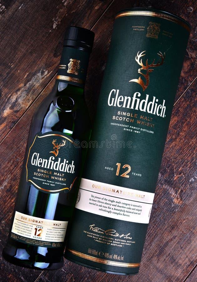 Μπουκάλι του σκωτσέζικου ουίσκυ ενιαίος-βύνης Glenfiddich στοκ φωτογραφία με δικαίωμα ελεύθερης χρήσης
