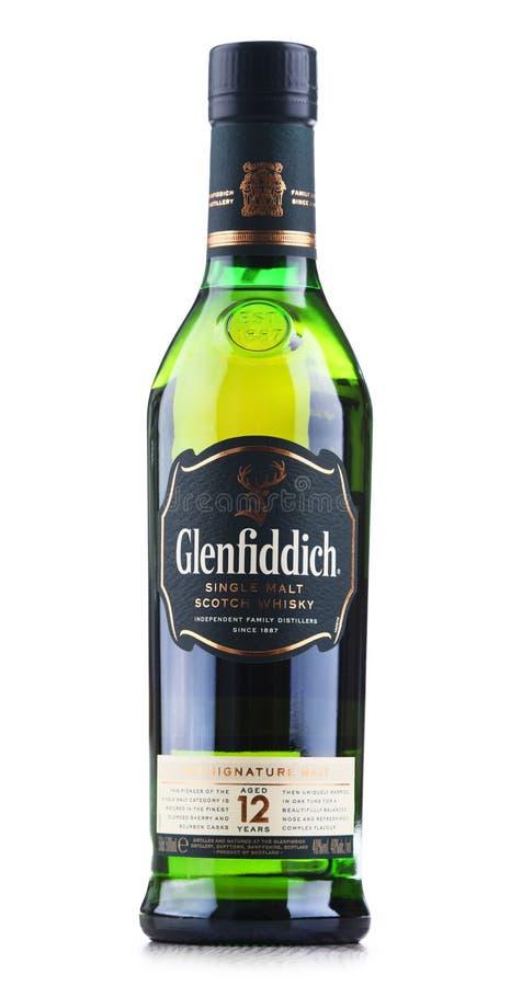 Μπουκάλι του σκωτσέζικου ουίσκυ ενιαίος-βύνης Glenfiddich στοκ φωτογραφίες με δικαίωμα ελεύθερης χρήσης