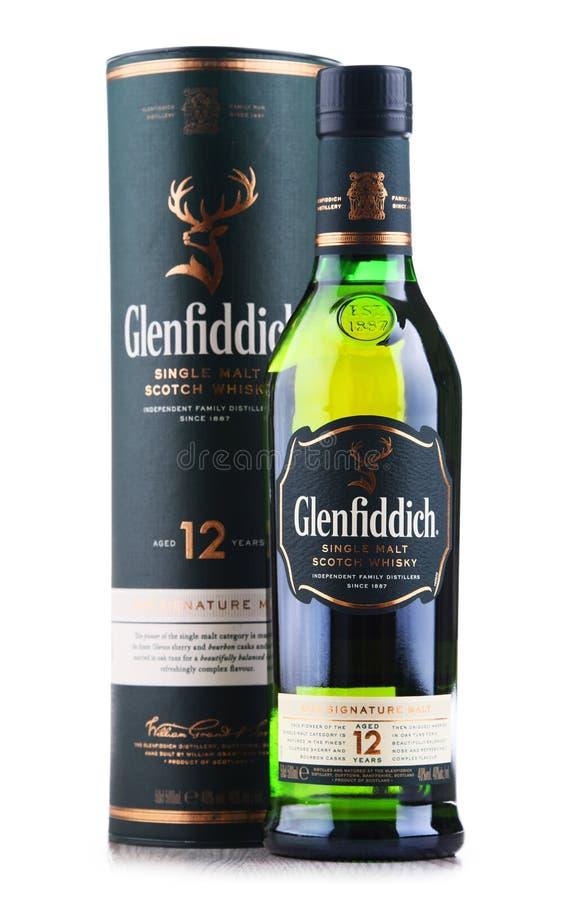 Μπουκάλι του σκωτσέζικου ουίσκυ ενιαίος-βύνης Glenfiddich στοκ εικόνες με δικαίωμα ελεύθερης χρήσης