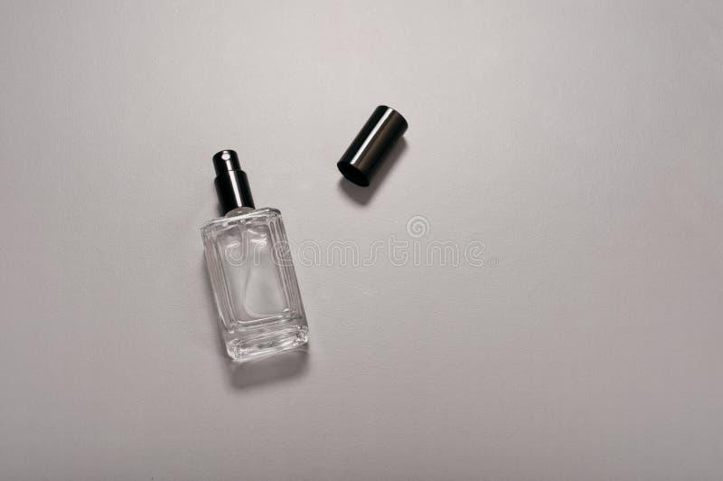 Μπουκάλι αρώματος ατόμων στοκ εικόνα με δικαίωμα ελεύθερης χρήσης