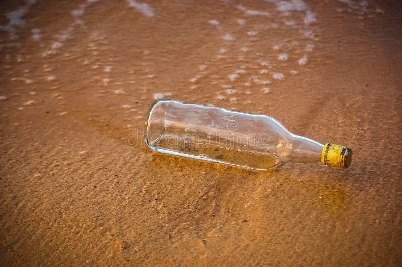 Μπουκάλι χωρίς μήνυμα στοκ φωτογραφίες