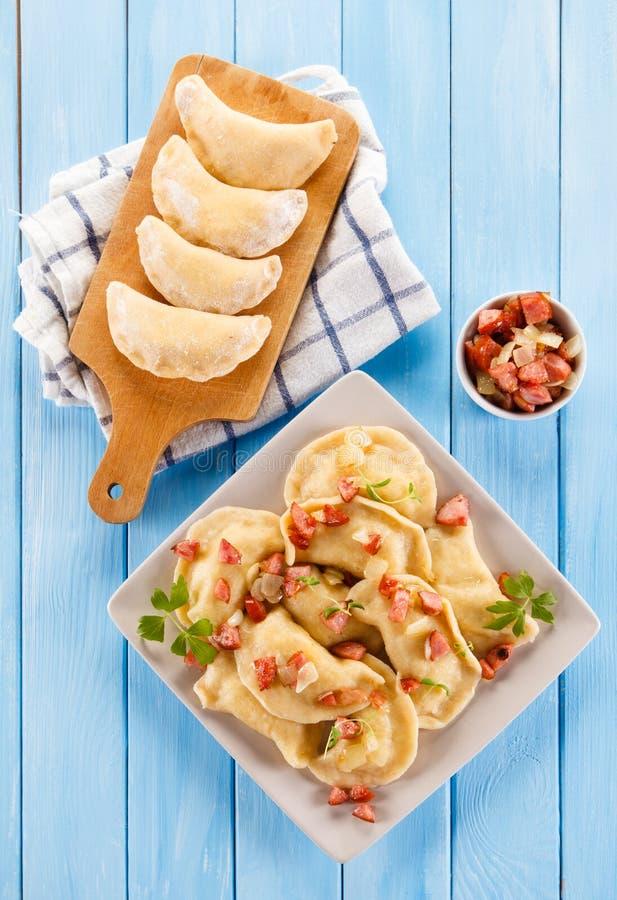 Μπουλέττες - νουντλς τυριών στοκ φωτογραφίες