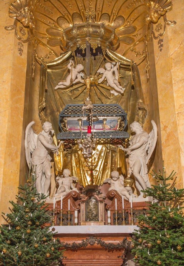 Μπρατισλάβα - το μπαρόκ παρεκκλησι Αγίου John η κοινωνική λειτουργός σχεδίασε από το Georg Rafael Donner (1729 – 1732) στον καθεδρ στοκ φωτογραφία με δικαίωμα ελεύθερης χρήσης