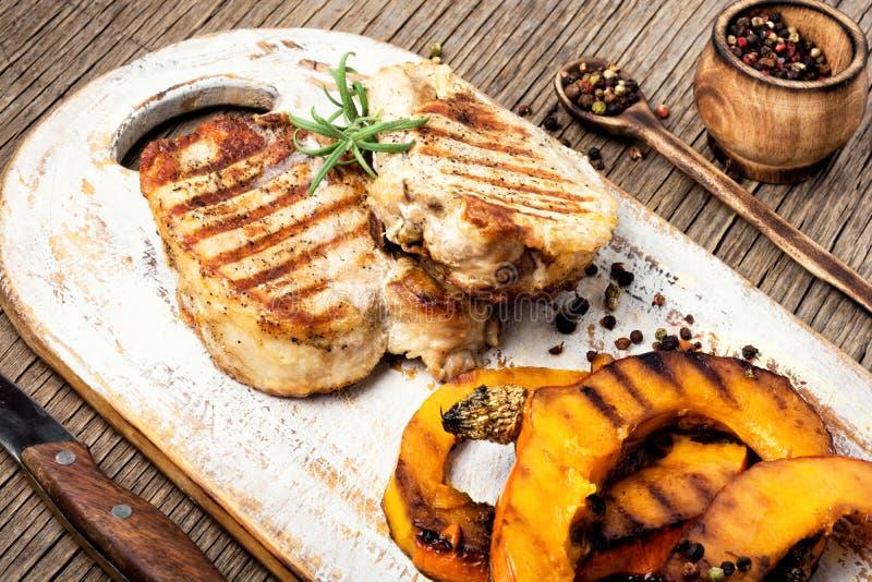Μπριζόλα κρέατος με την κολοκύθα στοκ εικόνες με δικαίωμα ελεύθερης χρήσης