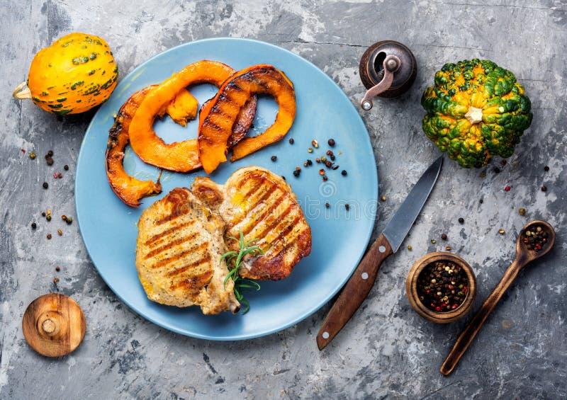 Μπριζόλα κρέατος με την κολοκύθα στοκ φωτογραφίες