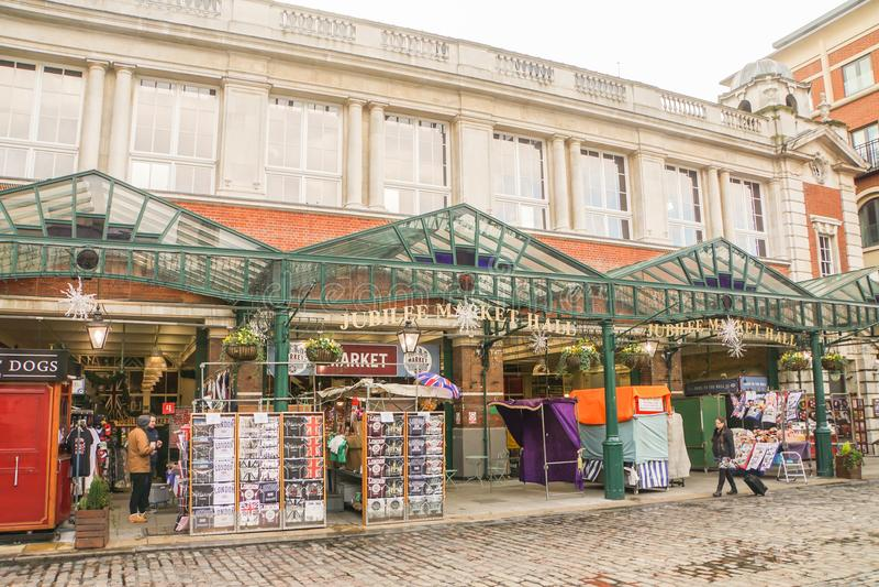 Μπροστινά καταστήματα στην αίθουσα αγοράς ιωβηλαίου στο Λονδίνο στοκ εικόνα με δικαίωμα ελεύθερης χρήσης