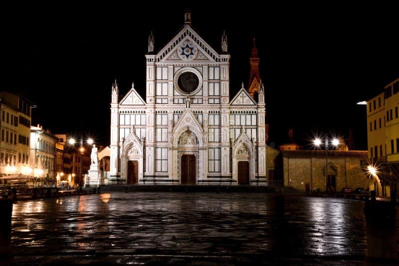 Μπροστινή άποψη καθεδρικών ναών Croce Santa Αρχιτεκτονική αναγέννησης της Φλωρεντίας, η οποία είναι η πρωτεύουσα της Τοσκάνης, Ιτ στοκ εικόνες