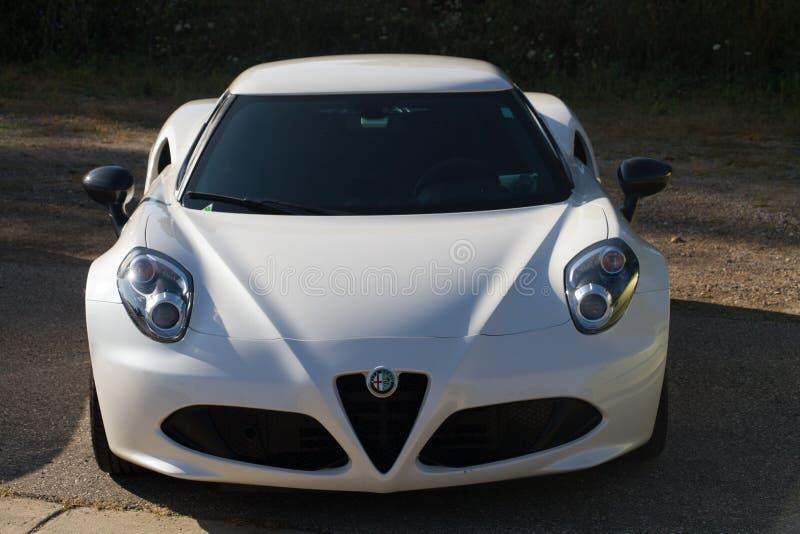 Μπροστινή άποψη της Alfa Romeo 4c στοκ φωτογραφία με δικαίωμα ελεύθερης χρήσης