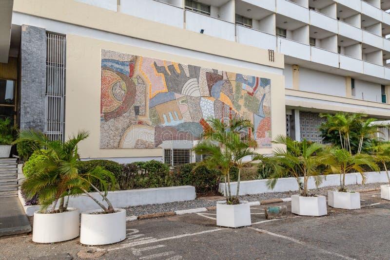 Μπροστινή άποψη του αρχαιότερου ξενοδοχείου Ιμπαντάν Νιγηρία στοκ εικόνα