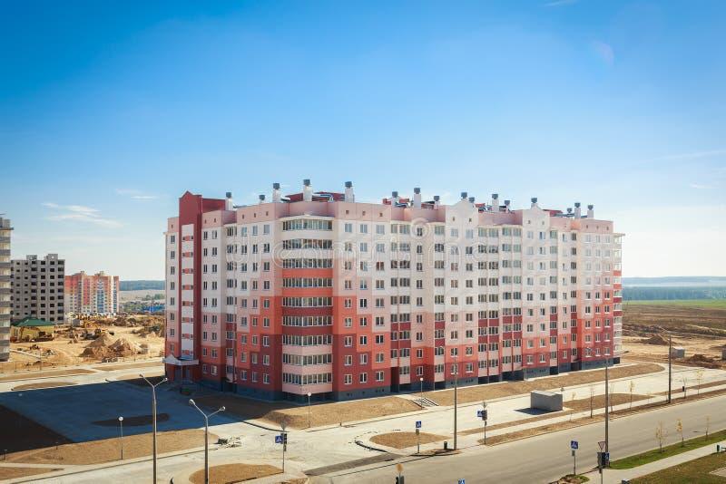 Μπροστινή άποψη του νέου κτηρίου επιτροπής στοκ εικόνα με δικαίωμα ελεύθερης χρήσης