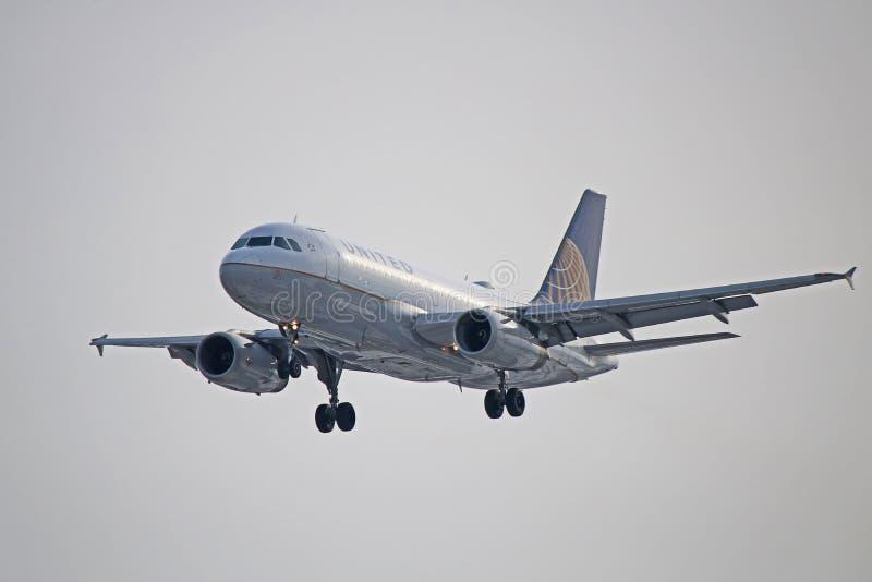 Μπροστινή άποψη airbus A319-100 των United Airlines στοκ φωτογραφία με δικαίωμα ελεύθερης χρήσης