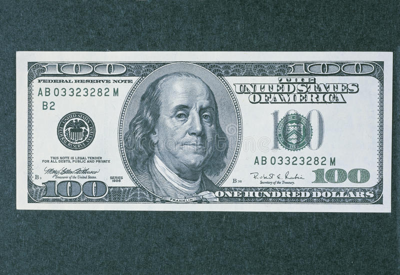 Μπροστινή πλευρά του νέου λογαριασμού 100 δολαρίων στοκ φωτογραφίες με δικαίωμα ελεύθερης χρήσης