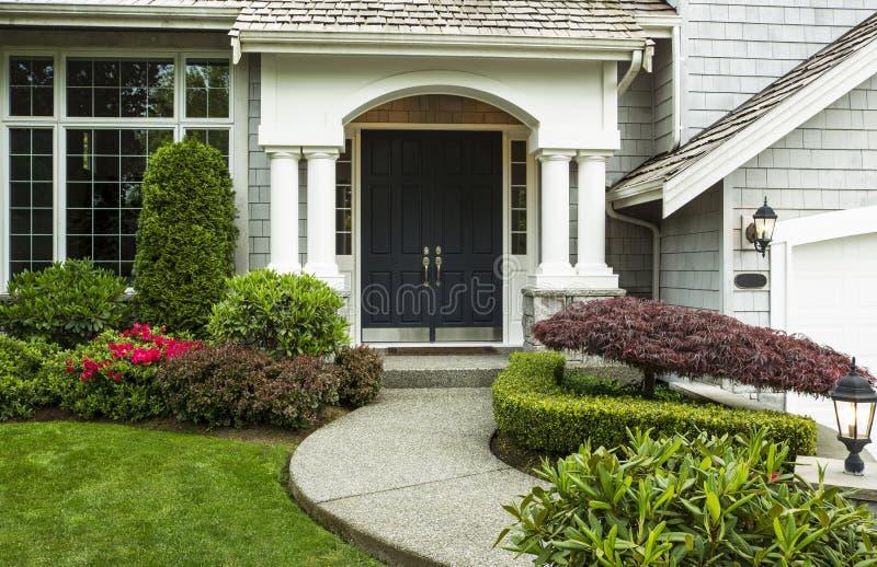 Μπροστινή πόρτα στη 'Οικία' στοκ φωτογραφίες