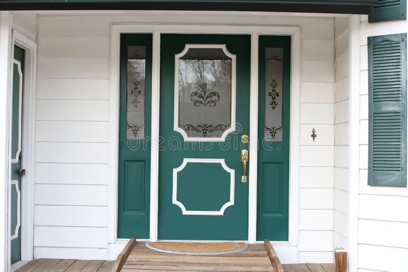Μπροστινή πόρτα στοκ εικόνα με δικαίωμα ελεύθερης χρήσης