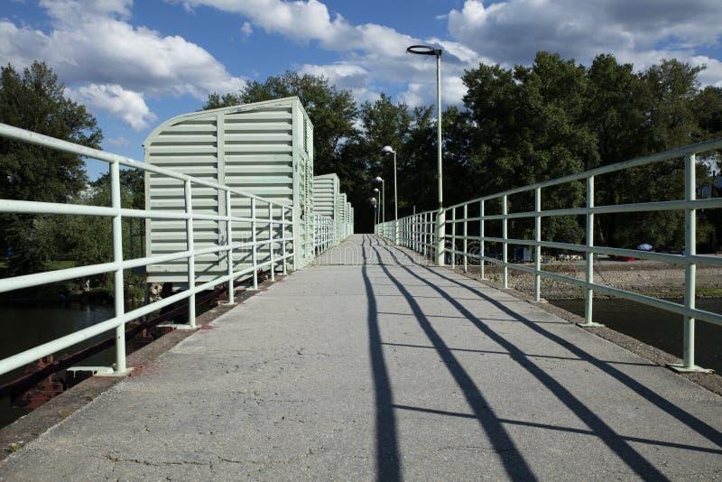 μπροστινή όψη γεφυρών στοκ φωτογραφία με δικαίωμα ελεύθερης χρήσης