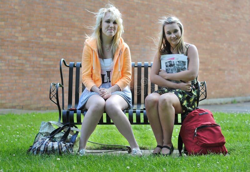 μπροστινό κάθισμα κοριτσ&iota στοκ φωτογραφία με δικαίωμα ελεύθερης χρήσης