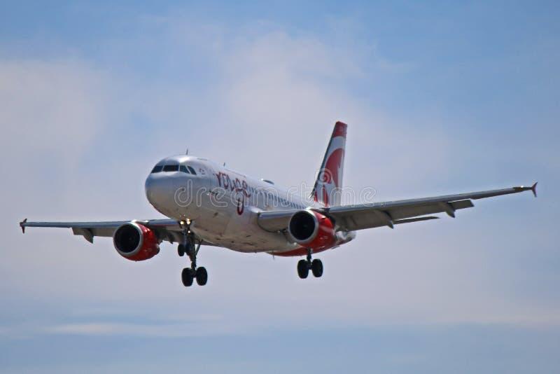 Μπροστινό σχεδιάγραμμα airbus A319-100 ρουζ του Air Canada στοκ φωτογραφίες με δικαίωμα ελεύθερης χρήσης