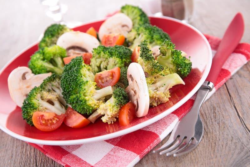 Μπρόκολο, μανιτάρι και ντομάτα στοκ φωτογραφία με δικαίωμα ελεύθερης χρήσης
