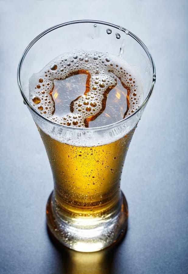 μπύρα, άποψη άνωθεν στοκ εικόνες