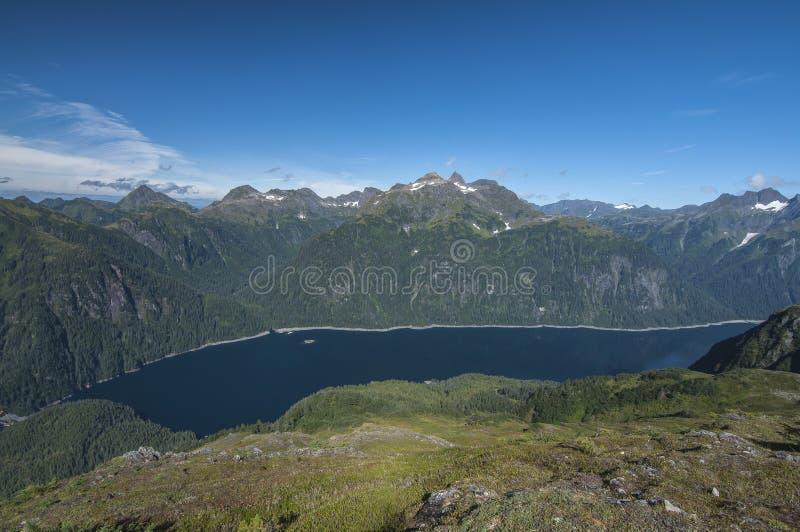 Μπλε λίμνη στοκ φωτογραφίες