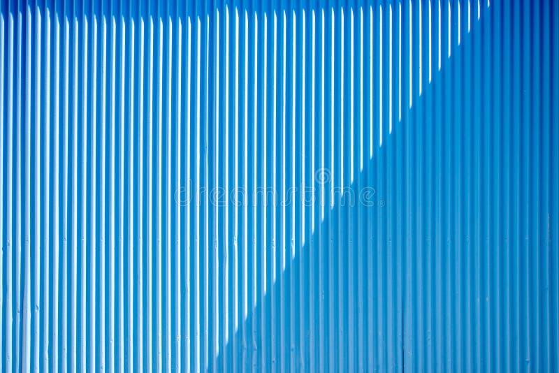 μπλε ανασκόπησης που γδύ&nu στοκ εικόνες με δικαίωμα ελεύθερης χρήσης