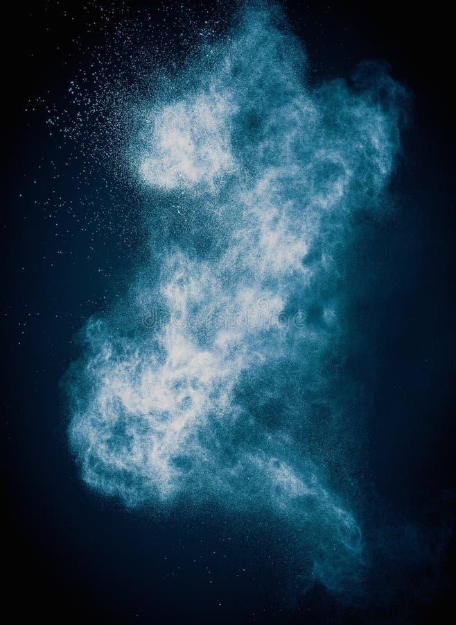 Μπλε ανατίναξη σκονών στοκ φωτογραφία με δικαίωμα ελεύθερης χρήσης