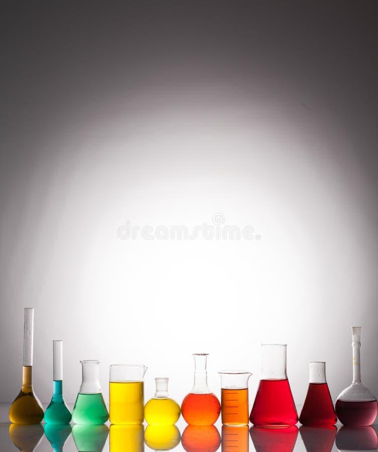 μπλε εργαστήριο γυαλικών γυαλιού ανασκόπησης στοκ εικόνα με δικαίωμα ελεύθερης χρήσης