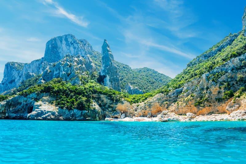 Μπλε θάλασσα Cala Goloritze στοκ εικόνες
