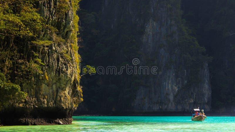 Μπλε λιμνοθάλασσα, νησί phi-Phi, Ταϊλάνδη στοκ εικόνες