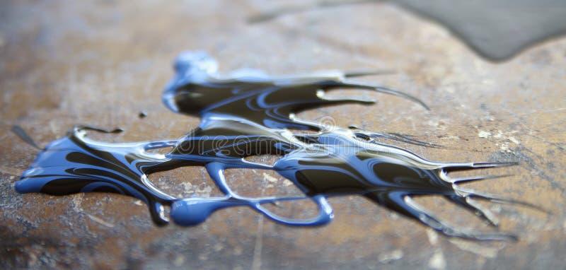 Μπλε και μαύρο χρώμα στην επιφάνεια μετάλλων grunge στοκ εικόνες