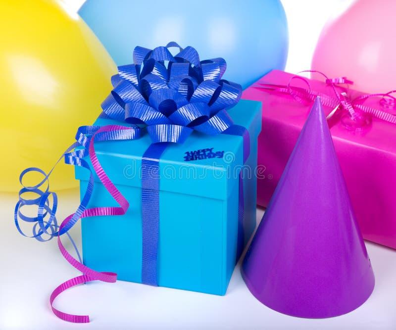 Μπλε κιβώτιο γενεθλίων στοκ φωτογραφία