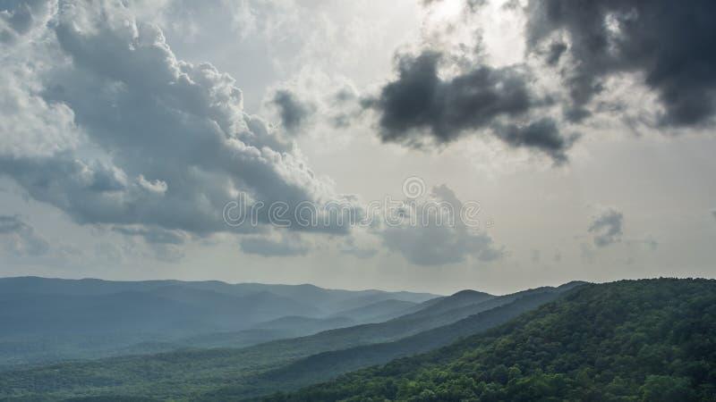 μπλε κορυφογραμμή βουνώ&n στοκ εικόνα