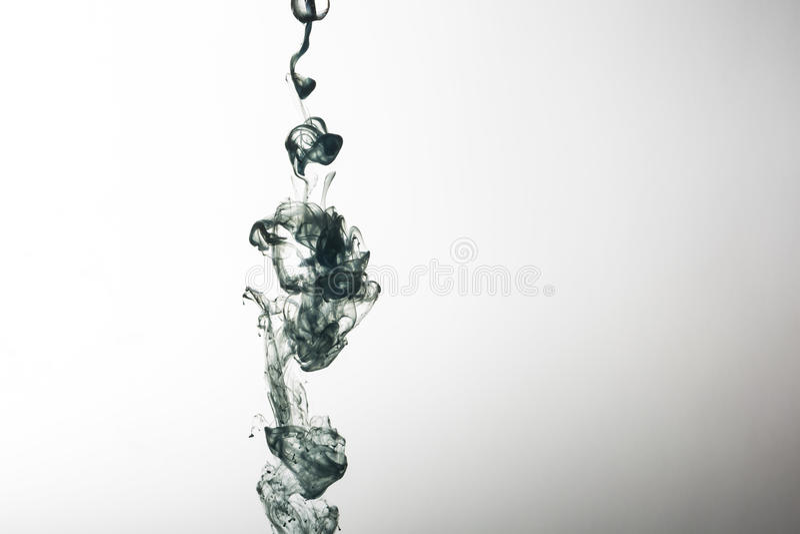Μπλε μελάνι στο αφηρημένο υπόβαθρο νερού στοκ φωτογραφίες με δικαίωμα ελεύθερης χρήσης