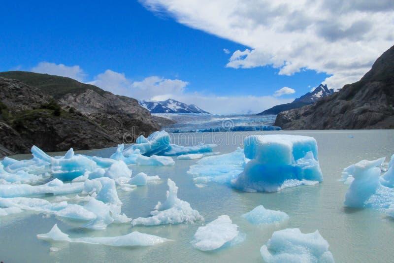 Μπλε παγόβουνα της Παταγωνίας στοκ εικόνα με δικαίωμα ελεύθερης χρήσης