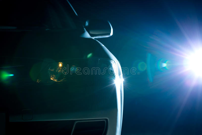 Μπλε σύγχρονη κινηματογράφηση σε πρώτο πλάνο αυτοκινήτων στοκ εικόνα με δικαίωμα ελεύθερης χρήσης
