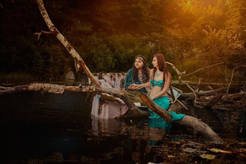 Μυθικός άνδρας και μια γυναίκα στοκ φωτογραφία με δικαίωμα ελεύθερης χρήσης