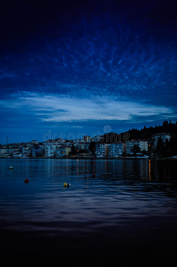 Μυστικό βράδυ παραλιών στοκ φωτογραφία με δικαίωμα ελεύθερης χρήσης