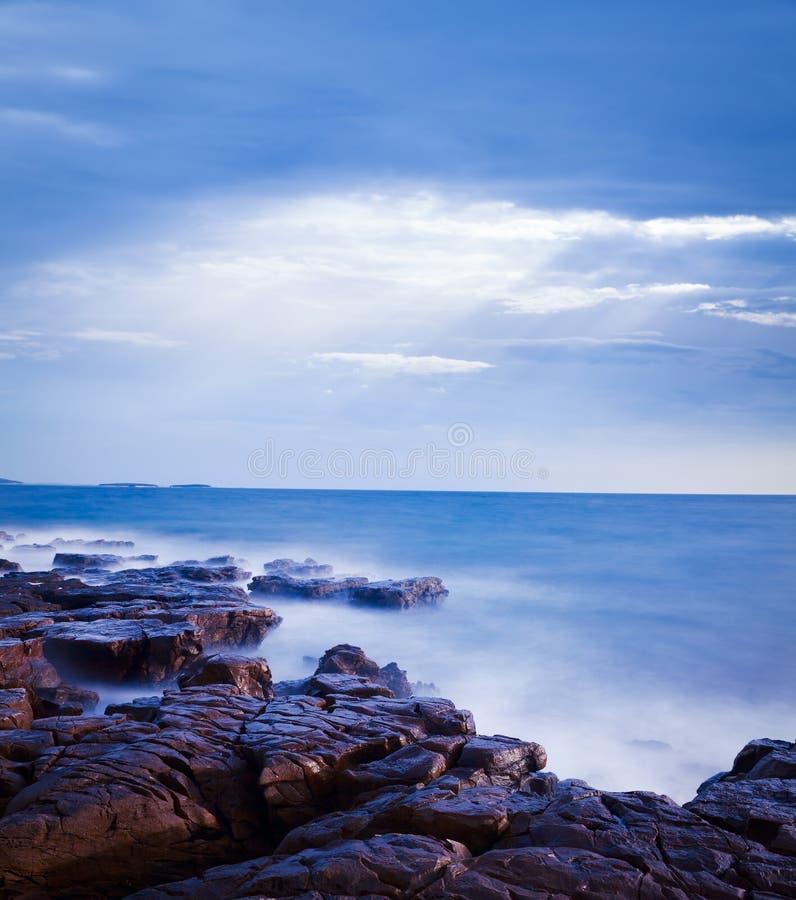 Μυστικό Seascape στο βράδυ αδριατική θάλασσα exposure long ομαλό ύδωρ στοκ φωτογραφίες
