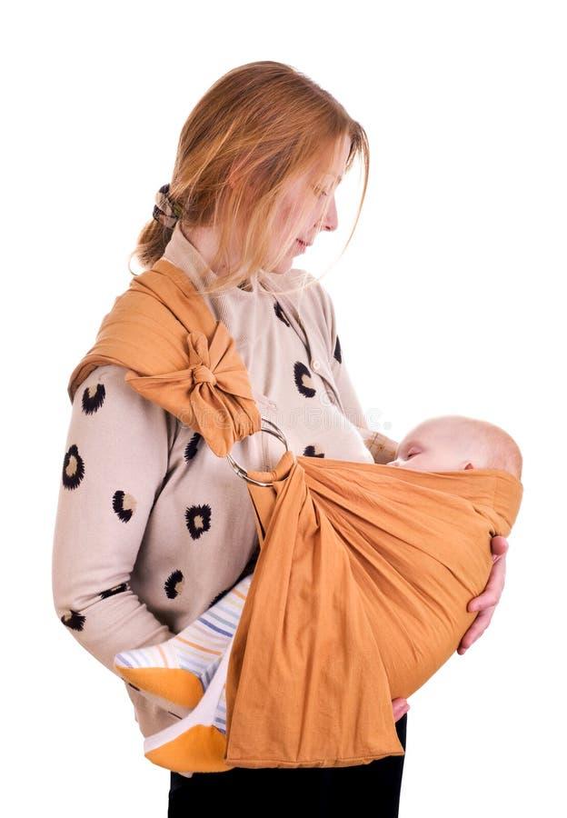 μωρό λίγος ύπνος μητέρων στοκ εικόνα με δικαίωμα ελεύθερης χρήσης
