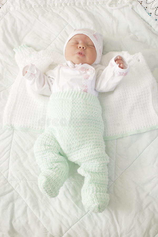 Download μωρό νεογέννητο στοκ εικόνα. εικόνα από πορτρέτο, συγκίνηση - 22781615
