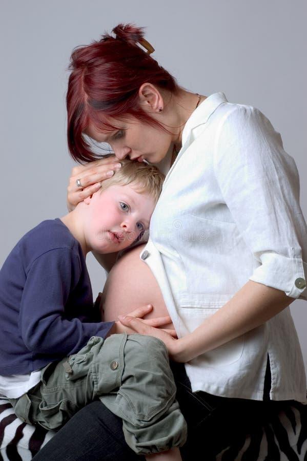 μωρό που ακούει  στοκ εικόνες με δικαίωμα ελεύθερης χρήσης