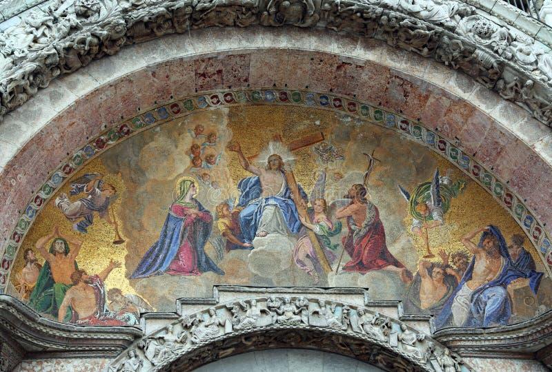 Μωσαϊκό με τις θρησκευτικές εικόνες της βασιλικής του SAN Marco Ven στοκ εικόνες