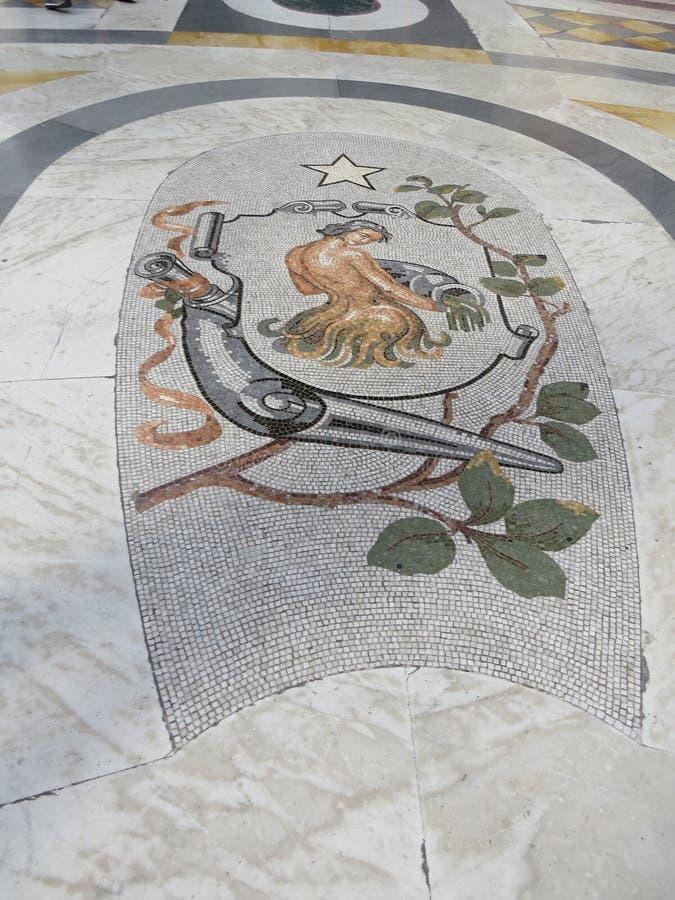 Μωσαϊκό πατωμάτων του Umberto I Galleria Ιταλία Νάπολη στοκ φωτογραφία με δικαίωμα ελεύθερης χρήσης
